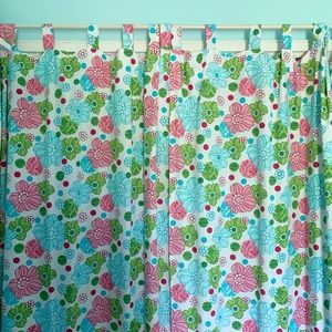 Set of 4 bright floral curtains